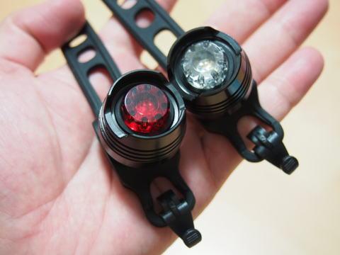 Wiggleで売ってるLifeLine LED安全ライトセットのレビュー